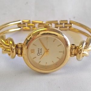 """Caravelle by Bulova Watch Gold Tone 6 1/8"""" 22mm"""